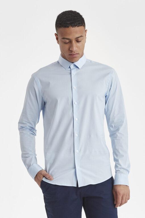 Lyseblå skjorte til mænd