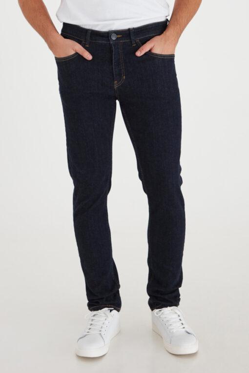 Mørkeblå jeans i slim fit