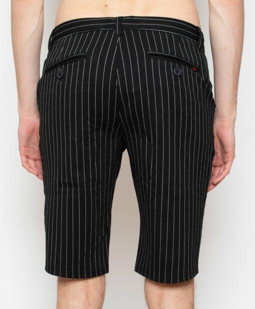 Sorte shorts med striber i slim fit