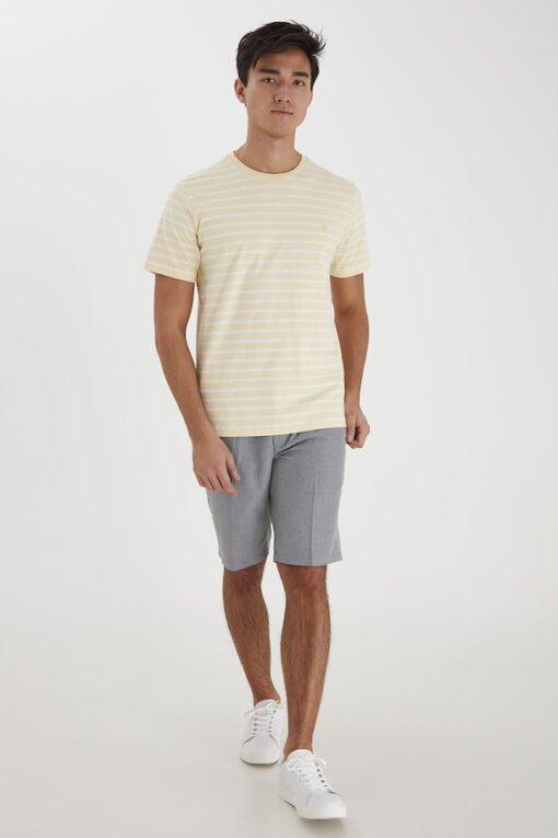 Gul T-shirt med striber - Casual Friday